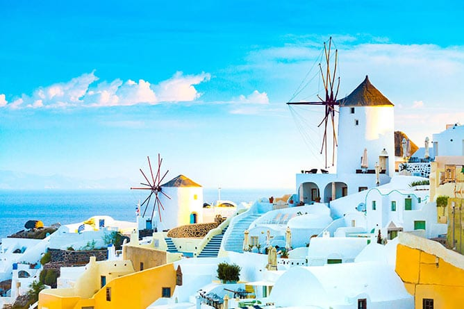 Day-3—View-of-Oia-the-most-beautiful-village-of-Santorini-island—iStock-947948920