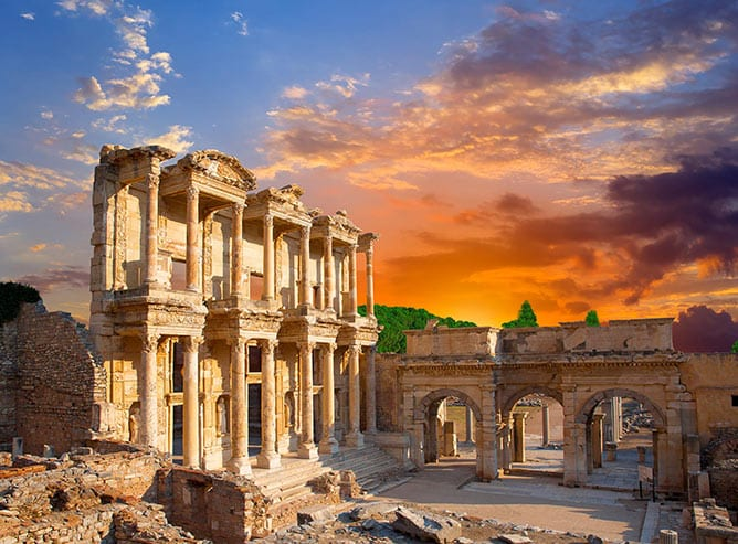 Day-4—Celsus-Library-in-Ephesus,-Turkey—iStock-462127251