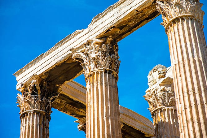 Day-8—Zeus-temple-ruins-in-Athens—iStock-475177476
