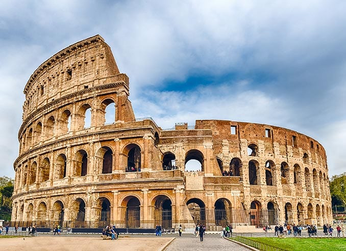 IT—Itinerary—Day-08—Colosseum—iStock-523376230